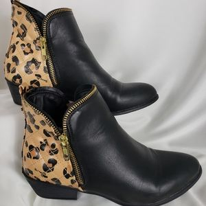 Betseyville Black Leopard Zippered Bootie